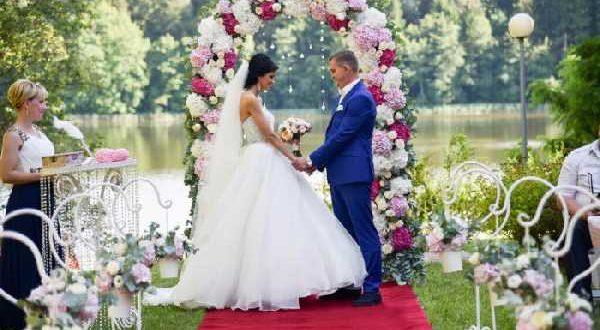 Короткие поздравления с днем свадьбы в стихах